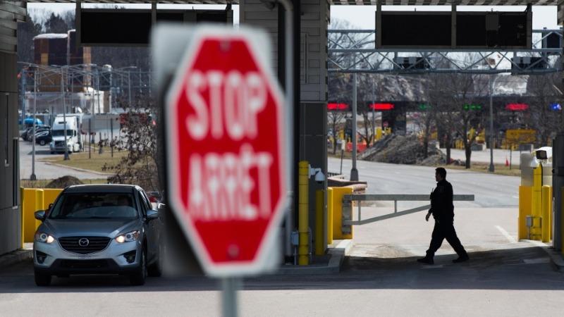 Ontário quer quarentena obrigatória em hotéis para viajantes que cruzam as fronteiras terrestres