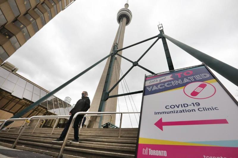 Aqui estão as clínicas de vacinação instantânea Covid-19 em Toronto abertas nesta sexta-feira
