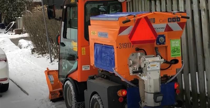 Remoção de neve de calçadas inicia neste inverno em Toronto