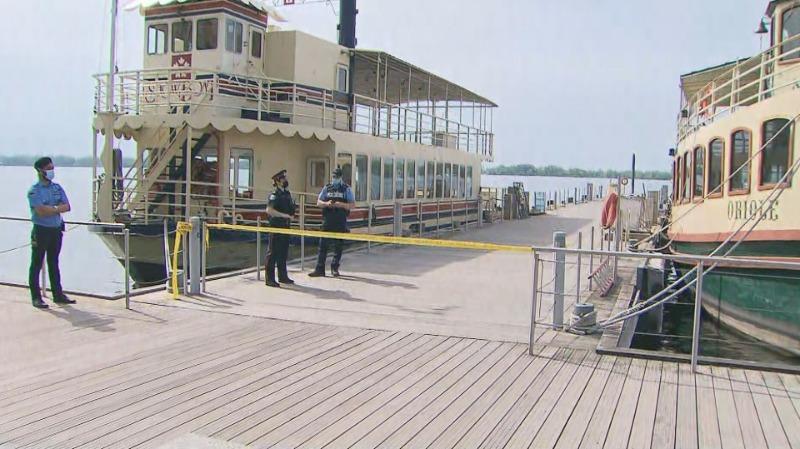 Homem em estado crítico após se afogar no Lago Ontário, em Harbourfront de Toronto