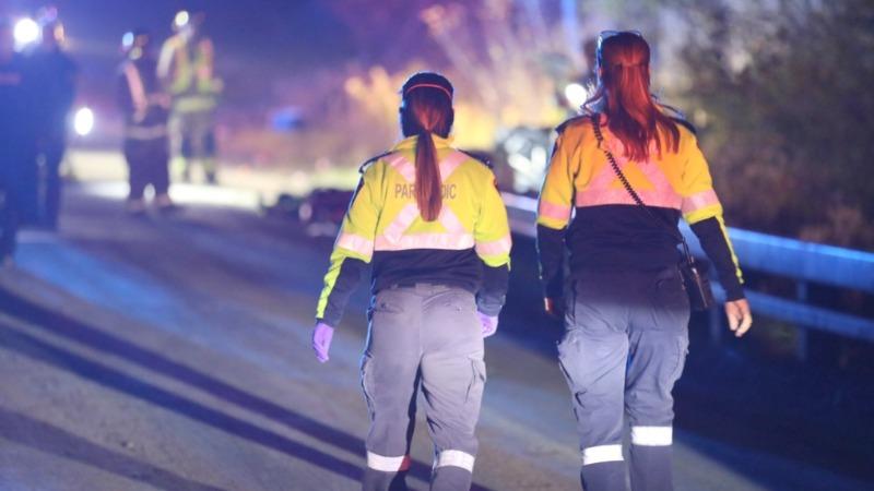 Menino de 15 anos morre e seis adolescentes ficam feridos depois que uma caminhonete vira a nordeste de Toronto