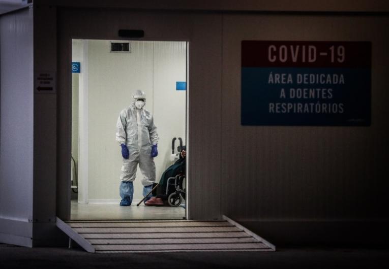 Uma morte, 436 novos casos e nova redução nos internamentos por Covid-19 nas últimas 24h