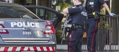 Breaking: Policiais caçam atirador de Etobicoke usando colete à prova de balas