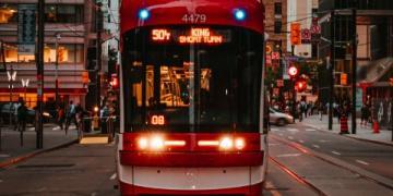Companhias de transporte público oferecem viagens gratuitas para o 'Dia da Vacina' em Toronto