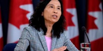 O Canadá pode estar vendo o início de uma quarta onda impulsionada por uma variante, alertam as autoridades de saúde