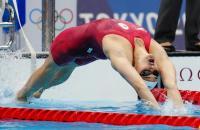 A canadense Kylie Masse ganha a segunda medalha de prata nos Jogos de Tóquio nos 200 metros costas