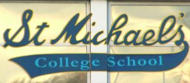 Audiência de condenação definida para adolescente considerado culpado de agressão sexual em escola de Toronto
