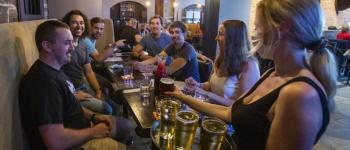 Limites de capacidade para restaurantes, academias e cassinos suspensos hoje em Ontário