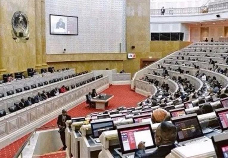 Deputados aprovam regras para o processo autárquico