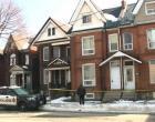 Dupla investigada por supostamente enterrar um bebê dentro de uma casa em Hamilton
