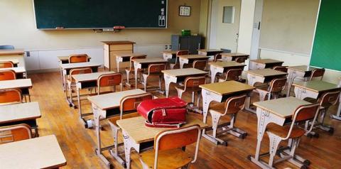 Fechamento das escolas em Ontário causa divergência de opiniões