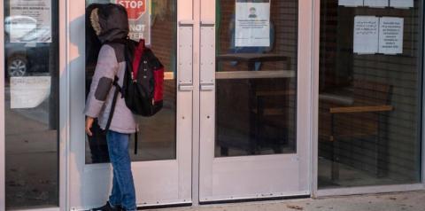 Aprendizado presencial retornando nas escolas da região de Toronto, Peel e York