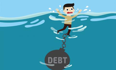 Enterrado em dívida? Não entre em pânico, faça essas 5 coisas