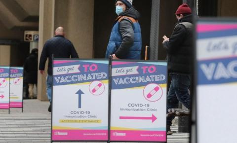 Ontário abrindo suas reservas de vacinas Covid-19 para residentes de pontos críticos com 18 anos ou mais