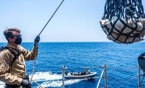 Navio de guerra canadense apreende mais de $ 20 milhões em drogas