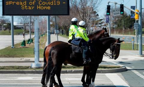 Polícia de Toronto apresenta mais 221 acusações por descumprimento das ordens de emergência Covid-19