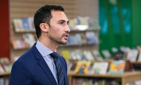 Opção de ensino remoto é oferecida em Ontário para este ano letivo