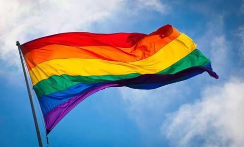 Escolas católicas levantarão bandeira LGBT+ pela primeira vez, em Toronto