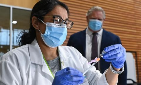 BREAKING: Ontário expandindo vacinação Covid-19 para todos os adultos uma semana antes do previsto