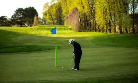 Campos de golfe e outras amenidades ao ar livre reabrem em Ontário