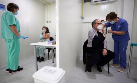 Covid-19: Um em cada cinco portugueses está completamente vacinado