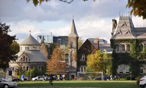 University of Toronto exige que os alunos se vacinem para morar nos dormitórios da universidade