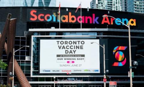"""A cidade de Toronto anuncia o """"Toronto Vaccine Day"""" que ocorrerá no Estádio Scotiabank"""