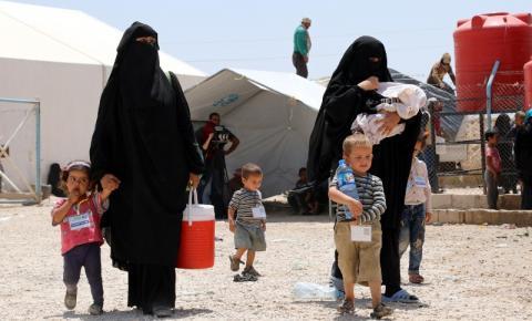Libertada mãe de criança canadense do campo de detenção do ISIS na Síria