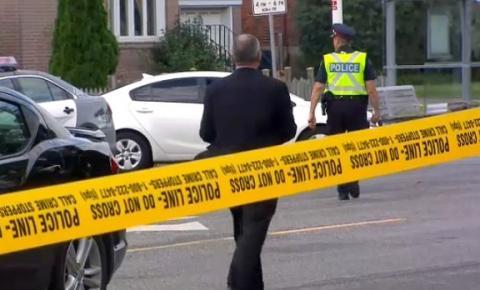 Polícia de Toronto em busca de testemunhas após homem de 71 anos ser morto ao atravessar a rua