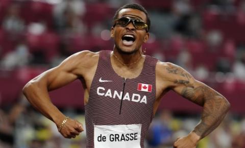 Andre De Grasse, do Canadá, ganha ouro na final dos 200 metros nas Olimpíadas de Tóquio