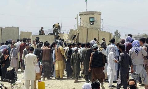 Vôos de evacuação de Cabul com destino ao Canadá serão retomados