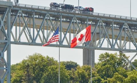 EUA estendem as restrições de viagem na fronteira com o Canadá por mais 30 dias