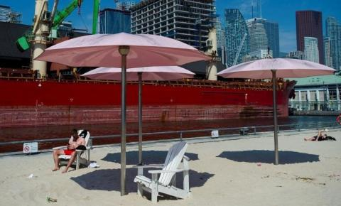 Toronto atinge o Dia 5 de advertência de calor após recorde de temperatura na segunda-feira