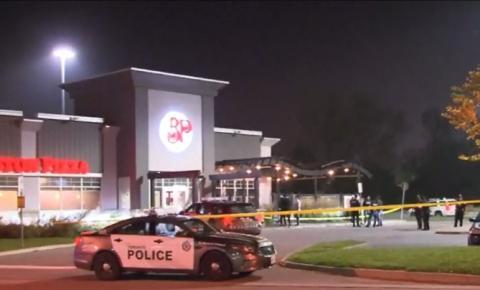 Um homem morto após receber tiros no estacionamento de um restaurante em Scarborough