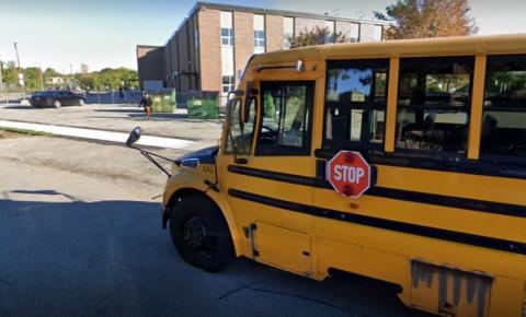 Alunos são dispensados do ensino presencial após o surto de COVID-19 em escola de Etobicoke