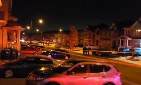 Dois homens ficam gravemente feridos após serem esfaqueados em Brampton