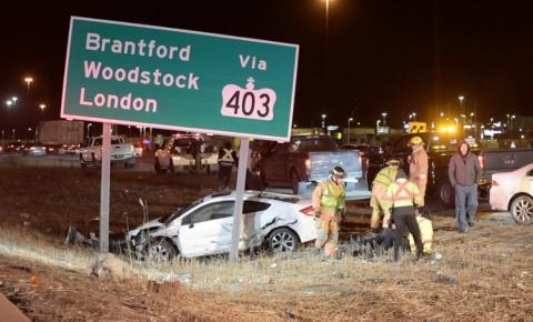 2 mortos após grave acidente com 4 carros em Burlington