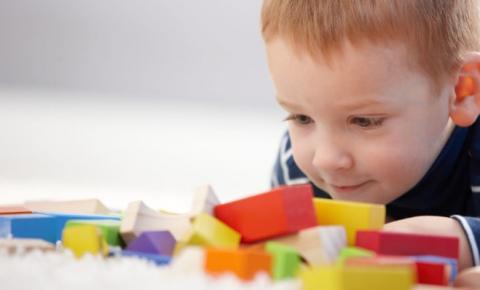 Ontário lança programa de autismo em março