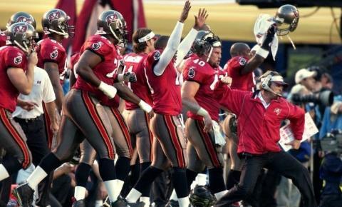 Tampa Bay Buccaneers doutrinam Kansas City Chiefs e vencem segundo Super Bowl da franquia