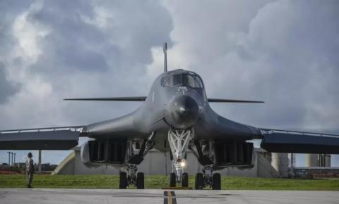 Em 'mensagem de força' à Rússia, Biden manda bombardeiros B-1 à Noruega
