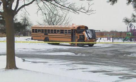 Pessoa encontrada morta dentro de ônibus estacionado em escola de Brampton