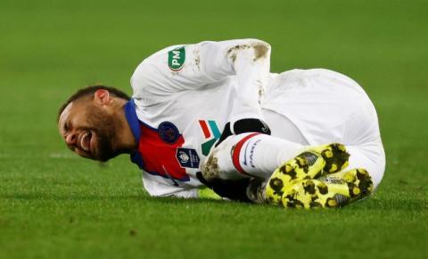 Técnico do Barcelona diz que jogadores talentosos precisam de mais proteção dos árbitros