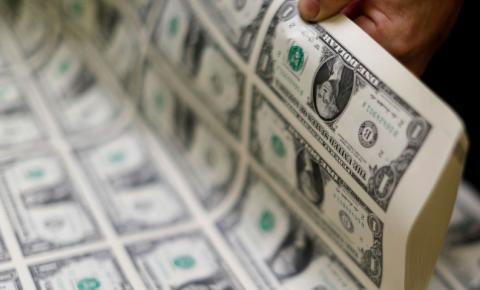 Na volta do feriadão de carnaval, dólar ultrapassa R$ 5,40