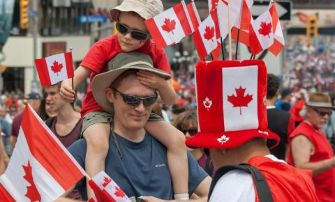 Toronto estende o cancelamento de grandes eventos presenciais