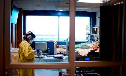 Ontário tem o menor número de infecções e mortes em semanas, após ultrapassar 300.000 casos