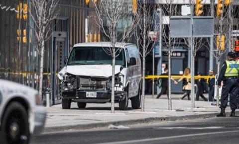 Juíza vai decidir hoje o futuro do homem que matou 10 em Toronto usando uma van