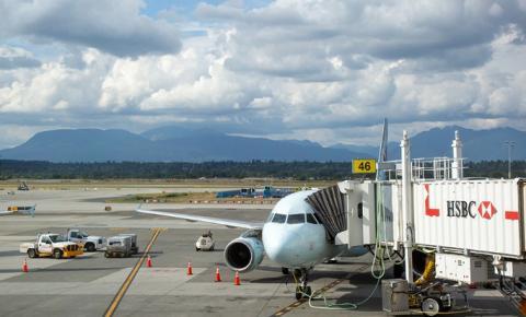 Covid-19: mais 61 voos com passageiros infectados chegam a Toronto