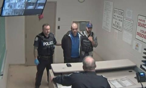 Alek Minassian é considerado criminalmente responsável pelo ataque à van em Toronto que matou 10