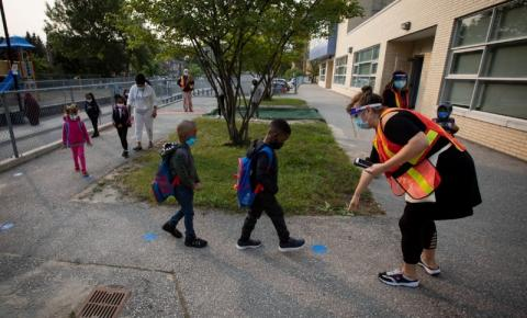 Retorno total às salas de aula no Conselho Escolar do Distrito de Toronto pode acontecer em setembro