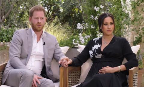 Ex-casal real vira alvo de tabloides após dizer que família real britânica é racista